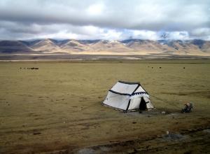 Tent on the Tibetan Plateau